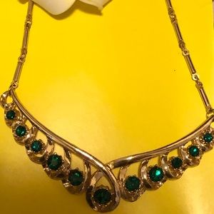 Jewelry - Antique style emerald and gold necklace Gorgeous!